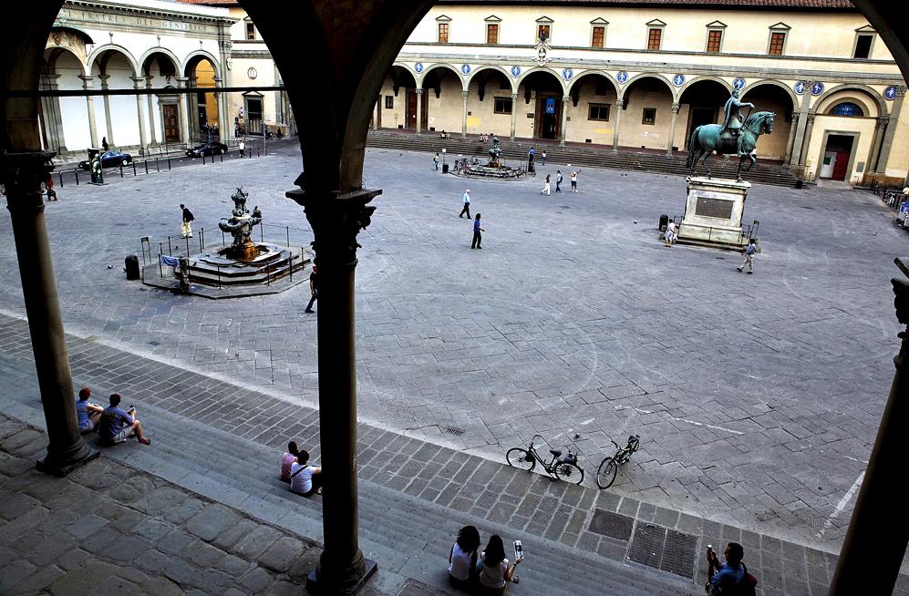 Ampliar Piazza Della Santissima Annunziata, Florencia