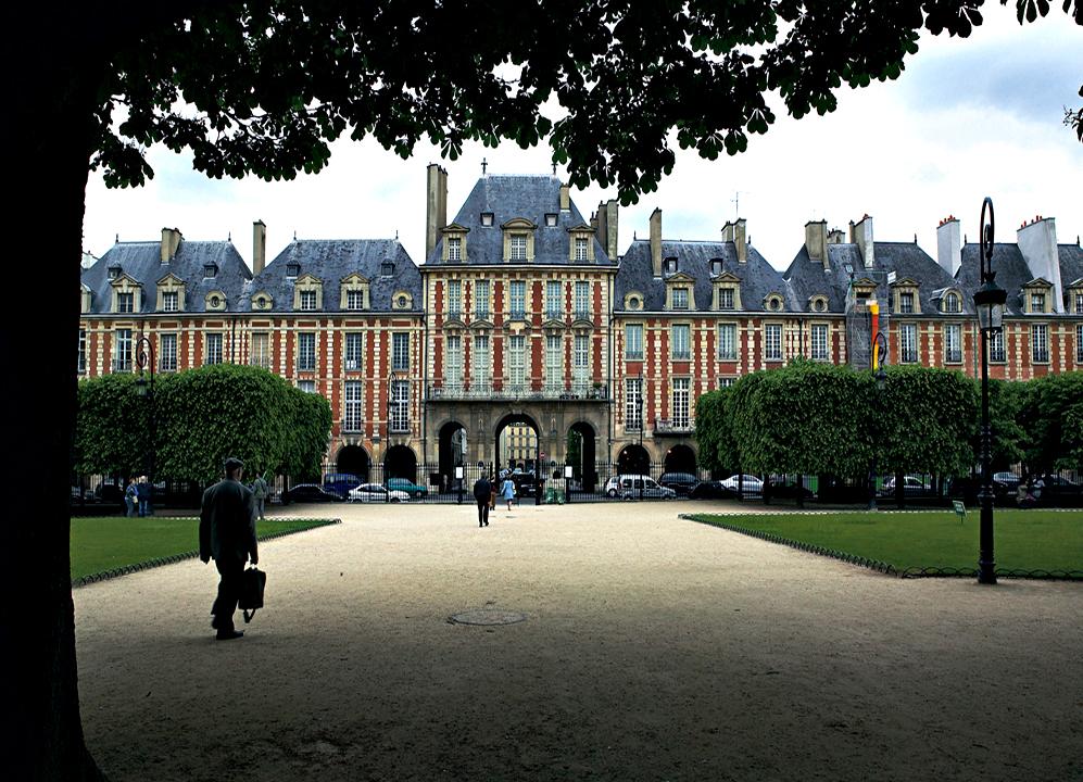 Ampliar Place des Vosges, Paris