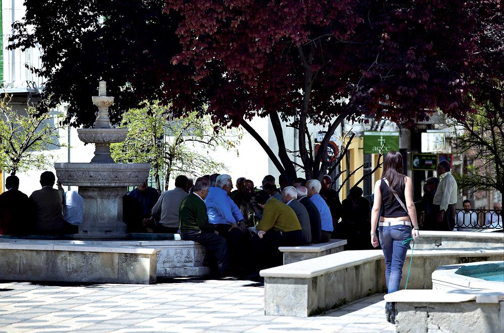 Ampliar Plaza de la Constitución, Mancha Real