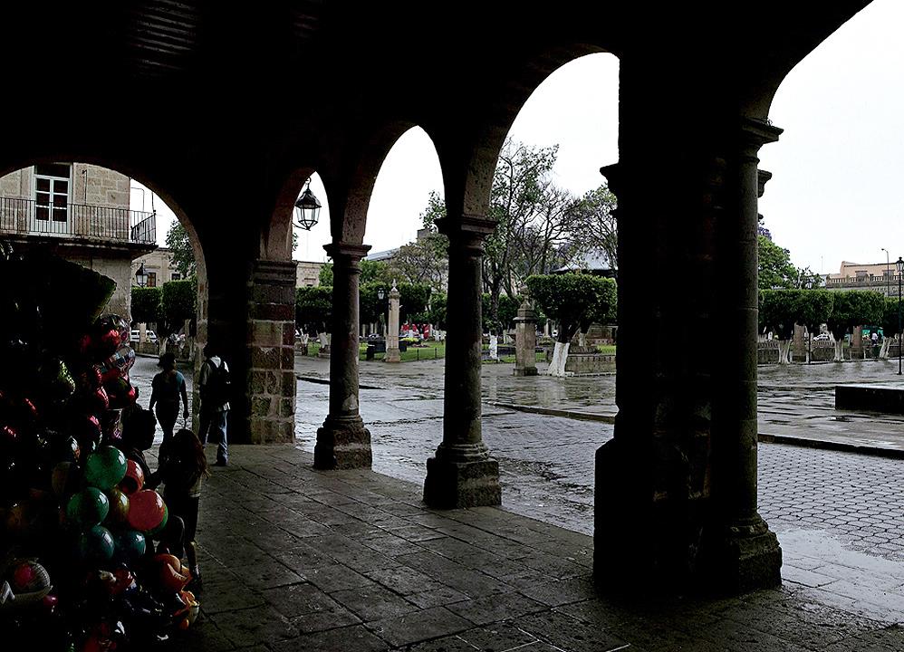 Ampliar Plaza de Armas, Morelia